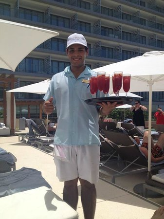 Secrets The Vine Cancun: Passed sangria at preferred pool!