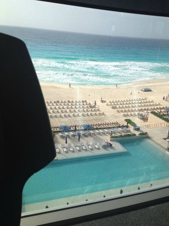Secrets The Vine Cancún: view from the treadmill!