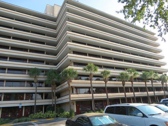 Rosen Inn at Pointe Orlando: Uma das fachadas do Hotel