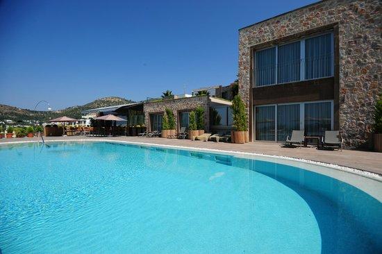 LVZZ Hotel Spa: Outdoor Pool