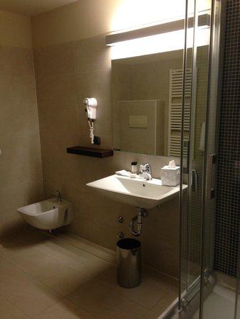 I Portici Hotel : Bagno lavabo