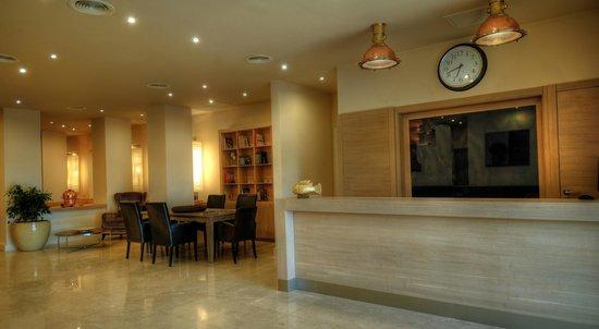 LVZZ Hotel Spa: Reception