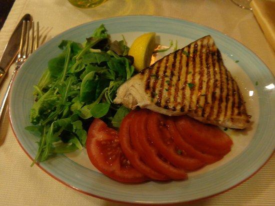La Barcaccia: Swordfish with salad