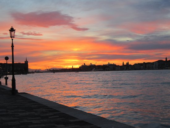 Hotel Giudecca Venezia: Another incredible sunset