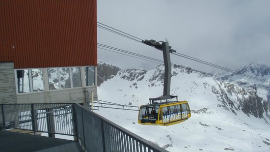 Diavolezza: View of the Cable Car