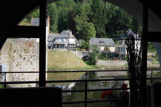 Hotel La Riviere : La Truyères vue du bar de l'hôetel La Rivière