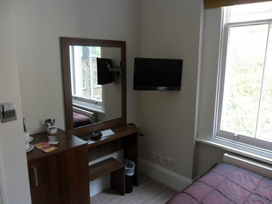 London House Hotel: small double room