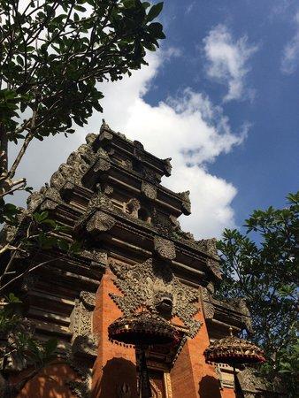 Puri Saren Palace: A tiny palace to photograph