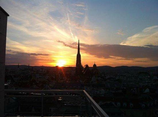Hotel Am Parkring: Sonnenuntergang vom Balkon aus genossen