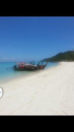 Zeavola Resort: White sandy beach. .clear emerald water..Heavenly! !
