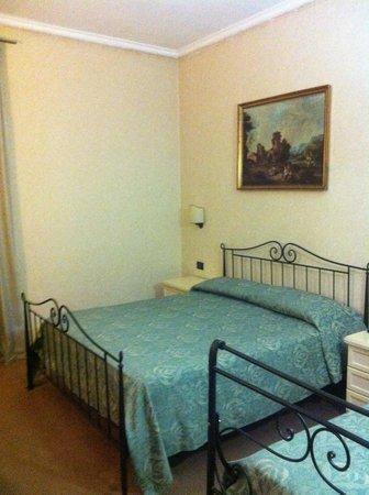 Elyse: Room