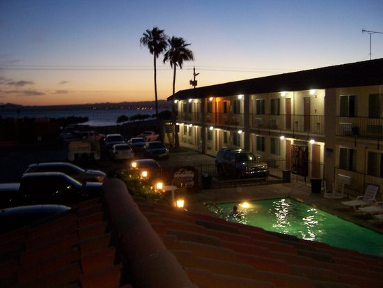 Wonderful sunset at the Bridgewater Motel