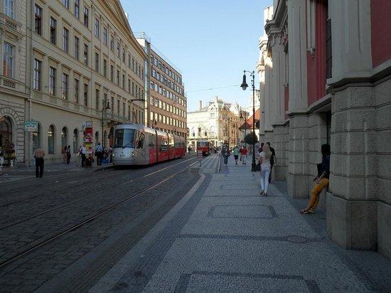 Ibis Praha Old Town: La via dell'Hotel