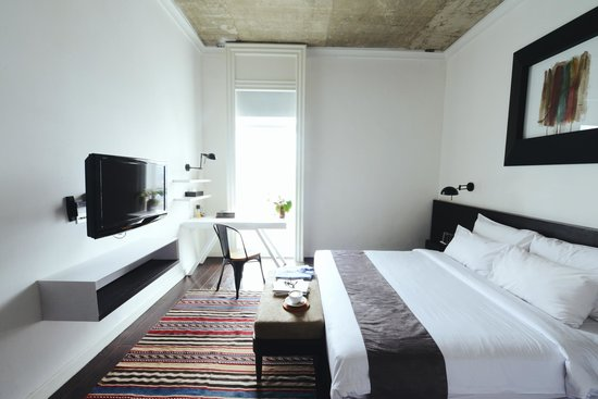Morrissey Hotel Residences : The Apartment