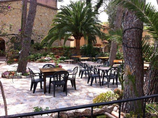 Hostal Villa Ampurdan: Superb!