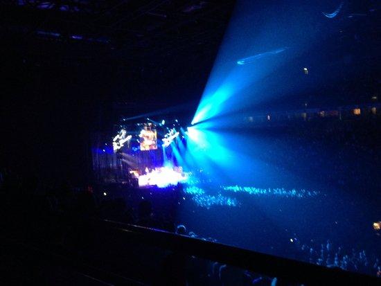 Manchester Arena : Prince Rocks !