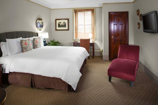 Hotel Wales: Guest Room