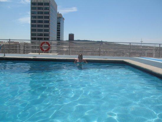 Expo Hotel Barcelona: pool area