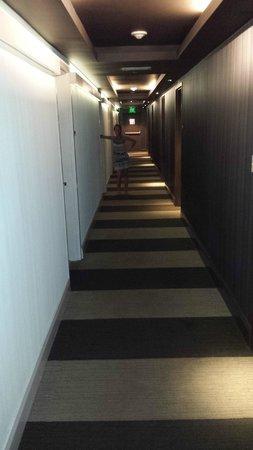 Room Mate Waldorf Towers: corridoio