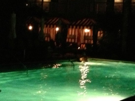 Colony Palms Hotel : Pool area