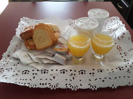 Astro Apart Hotel: Desayuno