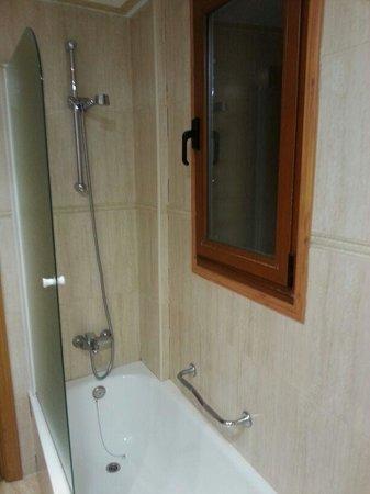 Hotel Don Luis: salle de bain