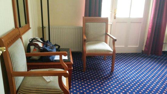 Grand Hotel Sonnenbichl: غرفة