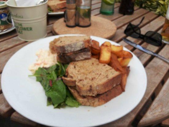 The Albert: Hot beef sandwich