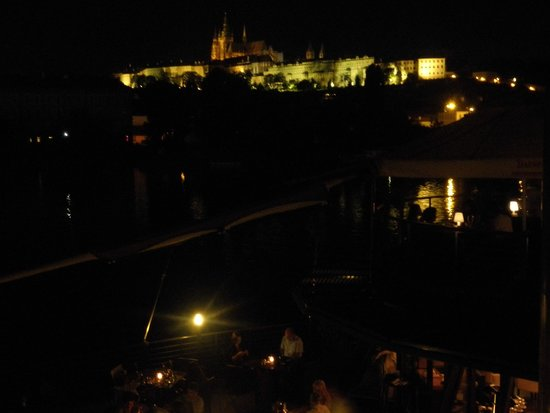 Marina Ristorante : デッキからの夜景も素晴らしい!