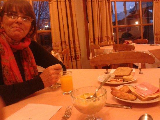 Hotel Kosten Aike: desayunando.. espectacular muy completo