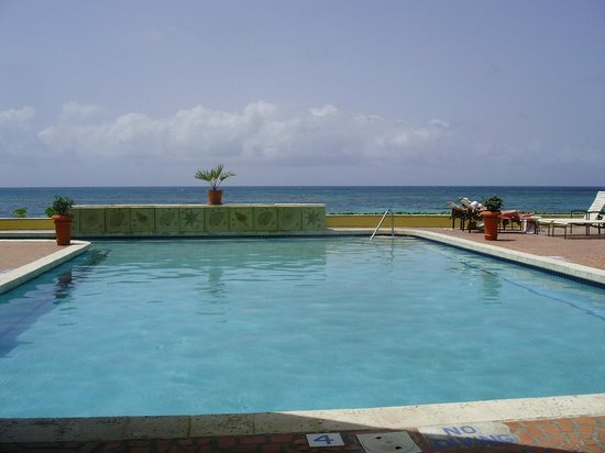 Pineapple Beach Club Antigua : Another great pool to visit daily!