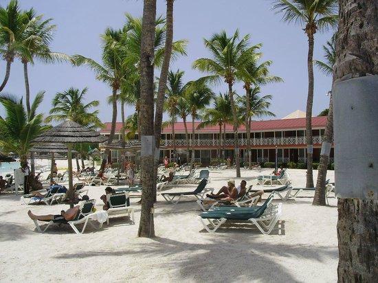 Pineapple Beach Club Antigua: We loved our second floor oceanfront room...so serene!