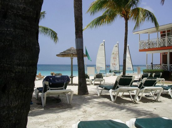 Pineapple Beach Club Antigua: Sail, surfboarding, paddle boats and more!
