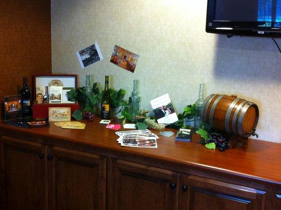 Comfort Inn & Suites Galt - Lodi North: We Love our Local Wineries