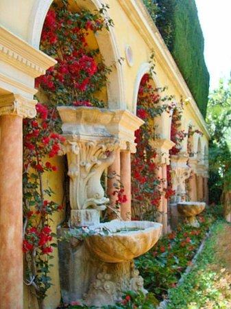 Villa & Jardins Ephrussi de Rothschild: Spanish garden