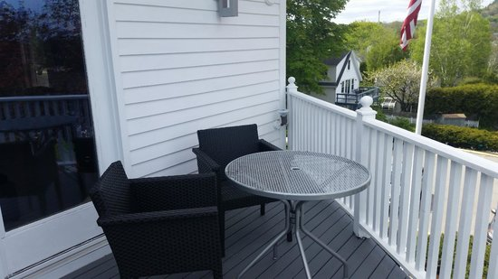 Relais & Chateaux Camden Harbour Inn : Deck off of room