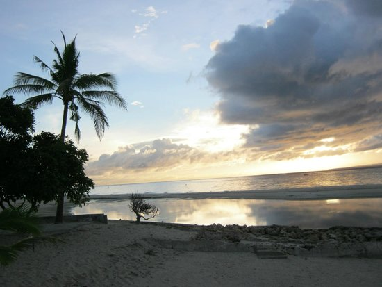 Kota Beach Resort: Dawn at Bantayan