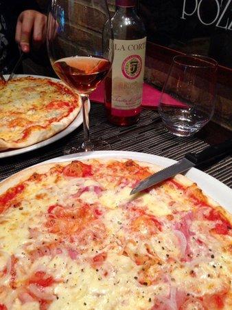 0039 Ristorante Italiano : Delicious pizza (ham and 4 cheeses)