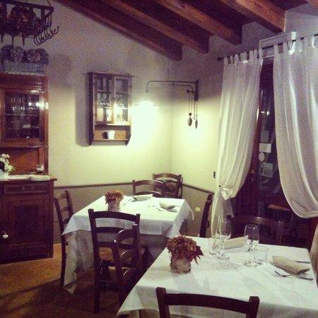 Antico Casale L'Impostino: Romanticissimo il ristorante