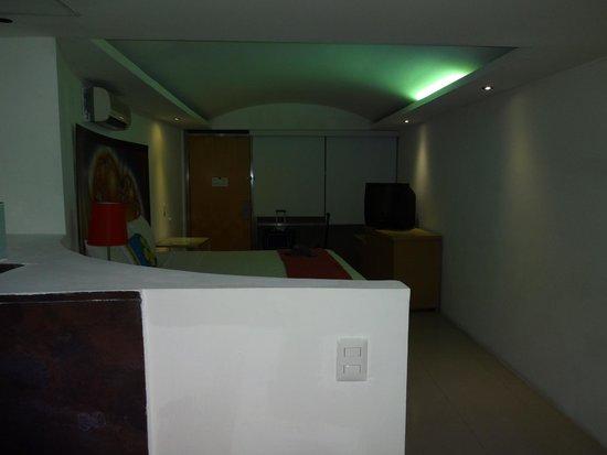 Mayafair Design Hotel: El cuarto completo.