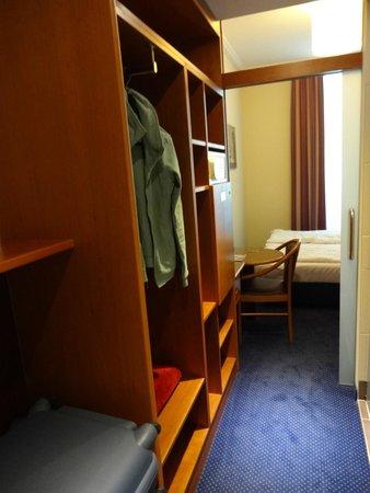Austria Classic Hotel Wien: Storage space