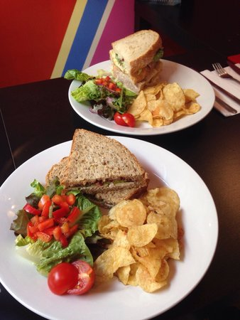Su Casa Coffee House: Lovely fresh sandwiches