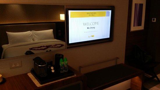 Royal Plaza Hotel: comfy and romantic room