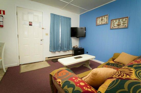 Creston Valley Motel: flat screen tv's