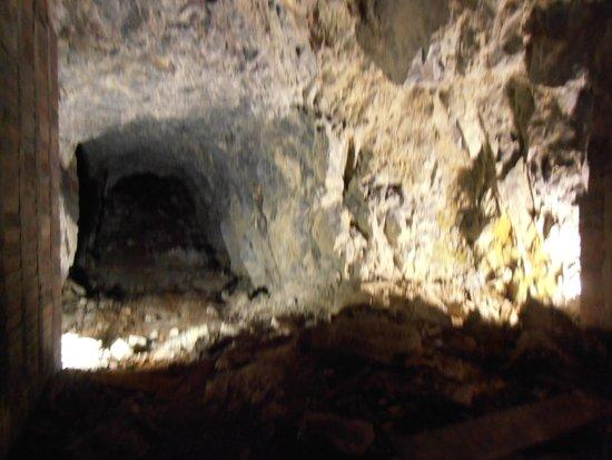 Dokumentation Obersalzberg: unfertiger Tunnelbau