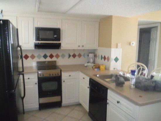 Grand Seas Resort: kitchen