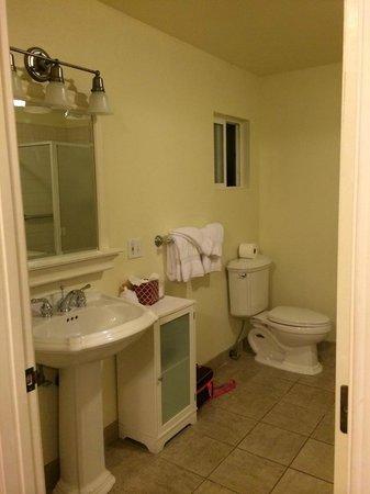 EuroSpa & Inn : Bathroom