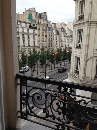Hotel Emile: view from the 3rd floor looking onto Rue Rivoli