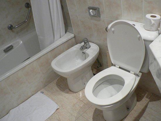 TRYP Puerto de la Cruz: ванная