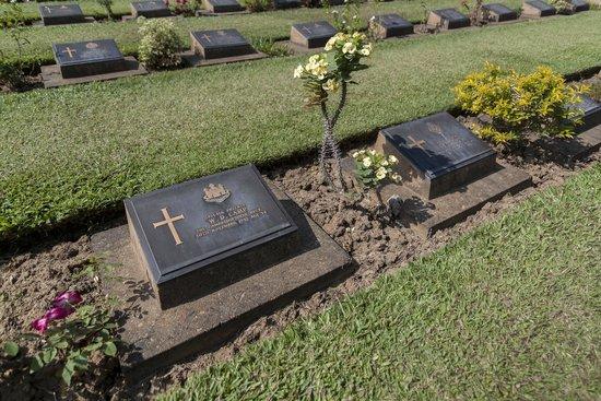 Kanchanaburi War Cemetery: Cimetière
